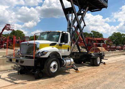 SPA Scissor-Lift Trucks Railroad Railgear for tough jobs