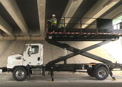 SPA TMA ATTENUATOR TRUCK DOING UNDER BRIDGE WORK